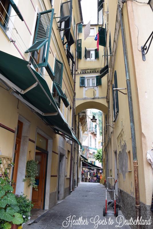 Monterosso alleyways.
