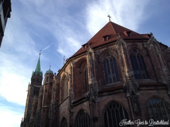 Lorenzkirche in the sun.